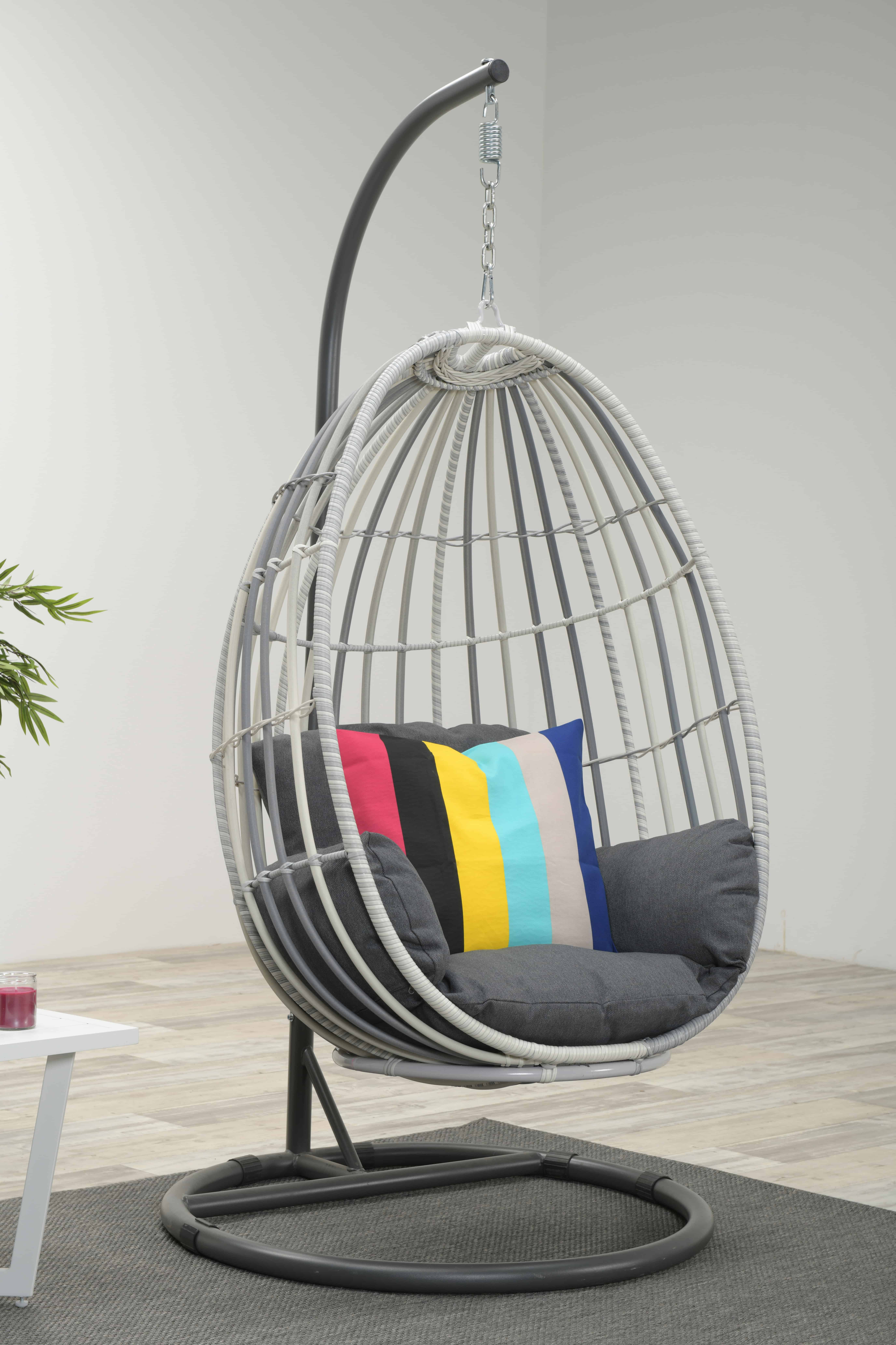 Egg Shaped Outdoor Chairs - Aumondeduvin.com