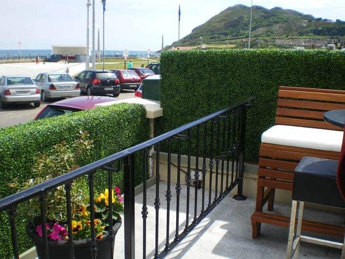 Artificial boxwood tile 25cm artificial garden wall for Outdoor wall coverings garden