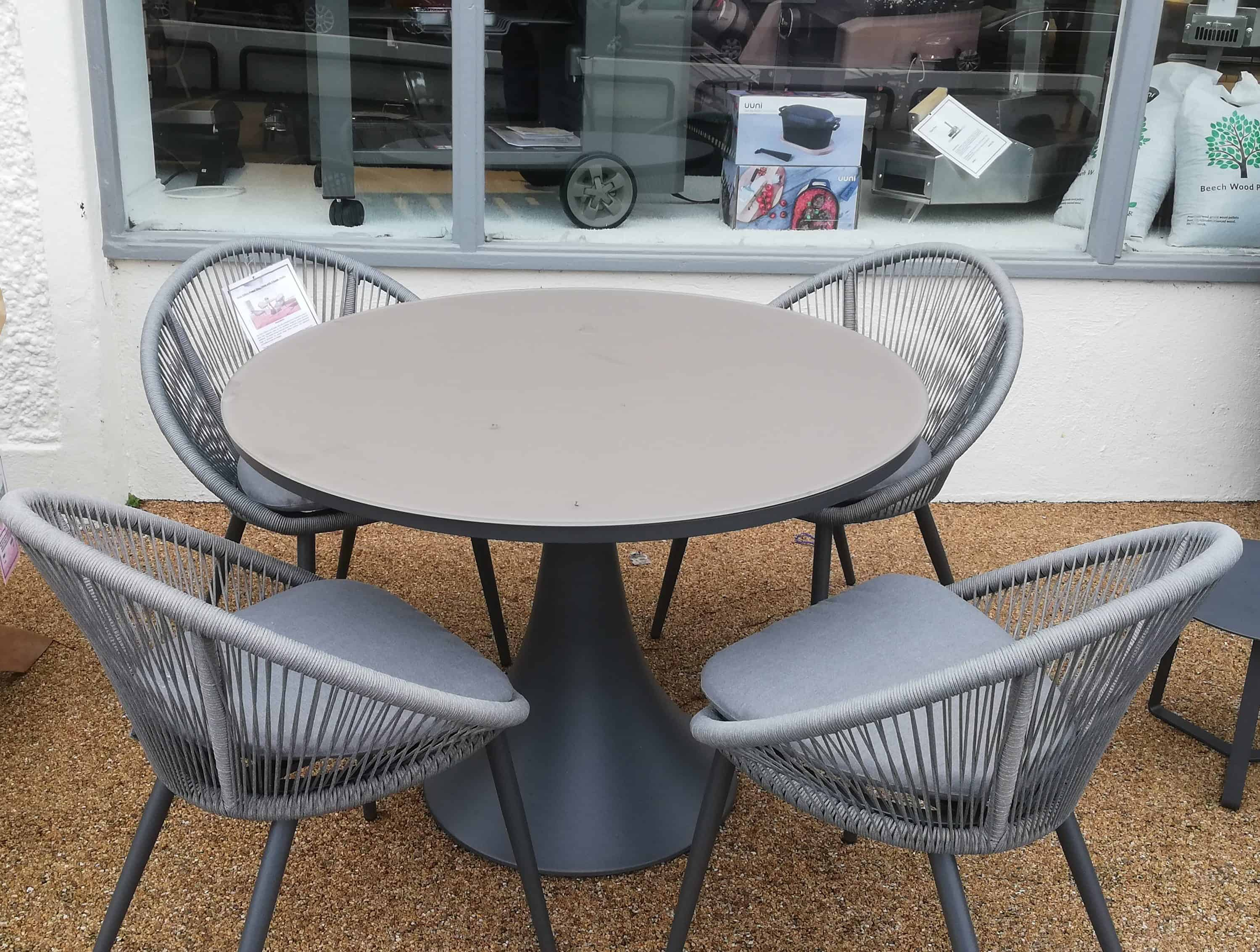 Fano Round Glass Table With 4 Spade Chairs Garden Furniture